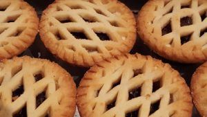 Mince pies 10 tips to avoid overeating at Christmas